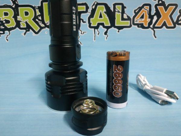 Linterna LED resistente al agua recargable
